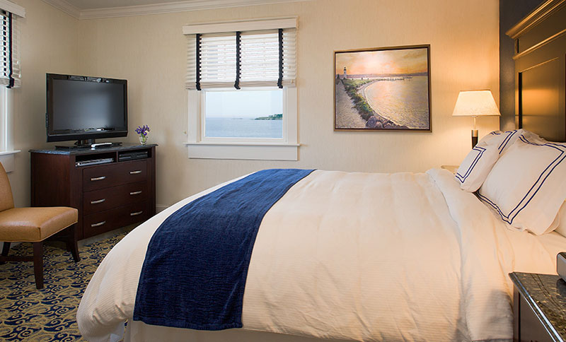 One King Bed at Newport Beach Hotel & Suites, Middletown
