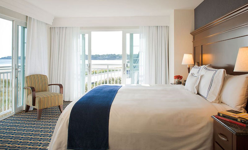Two King Bedroom Two Bath Corner Suite at Newport Beach Hotel & Suites, Middletown