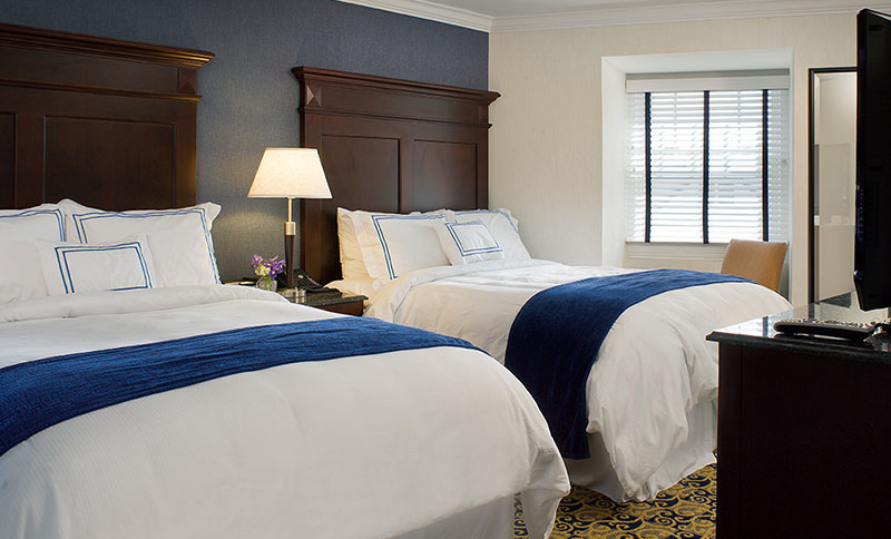 Two Queen Beds at Newport Beach Hotel & Suites, Middletown